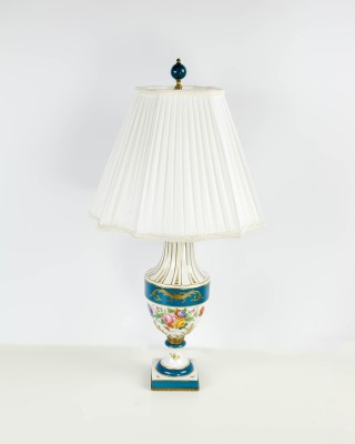 Ceramic Urn Style Table Lamp