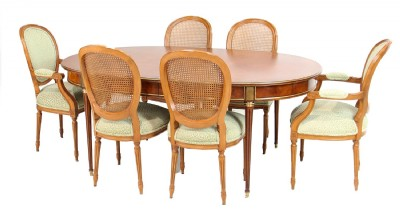 Burled Dianing Table & Eight Tables