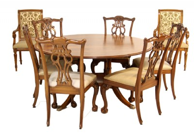 Round Newport Dining Table & Chairs